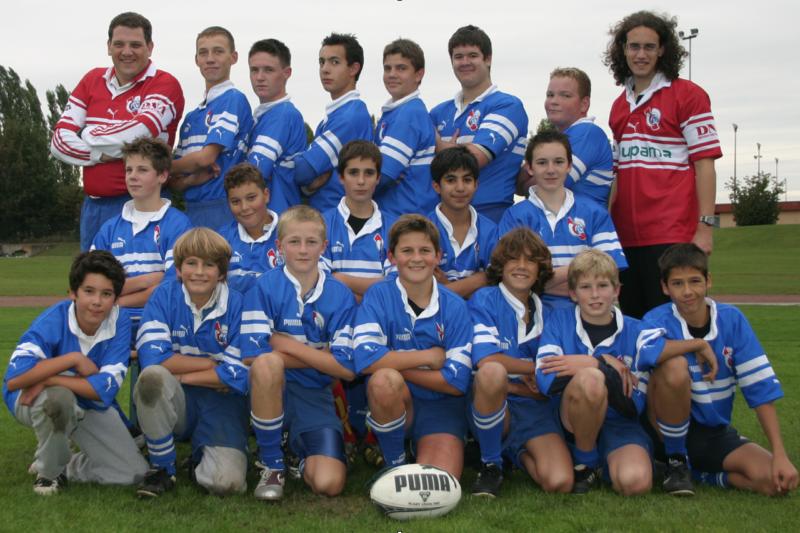image illustrant dominique sipp en tant qu'entraineur avec une équipe de rugby du RCS