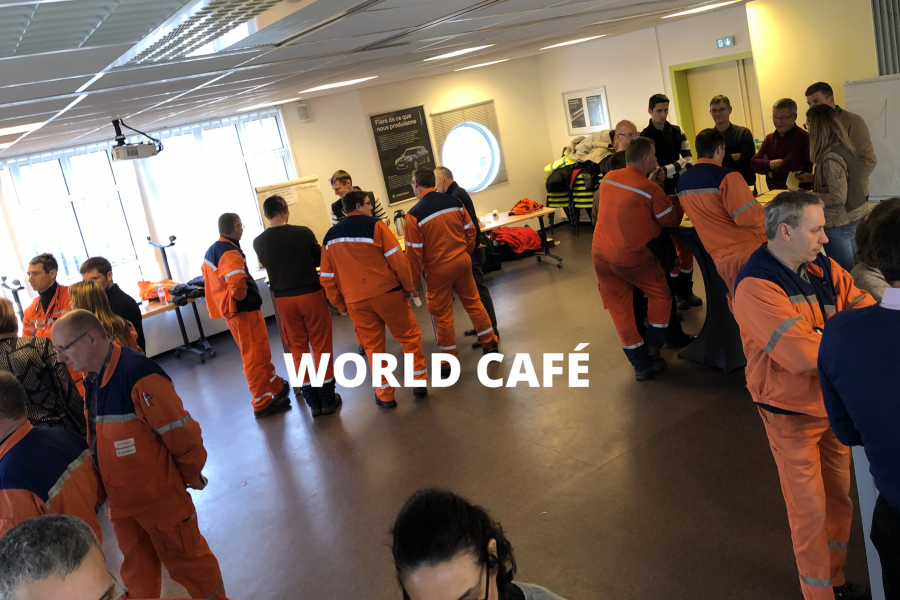 world_cafe_debout